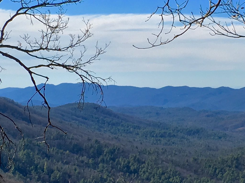 One of the views from Rich Mtn Trail on this glorious spring-like day in the Smokies. #GSMNP #hiking https://t.co/vd630o0sfC