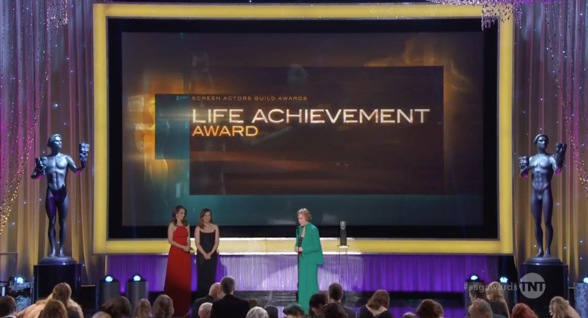 SAGAwards: Carol Burnett accepts Life Achievement Award from Tina Fey, Amy Poehler