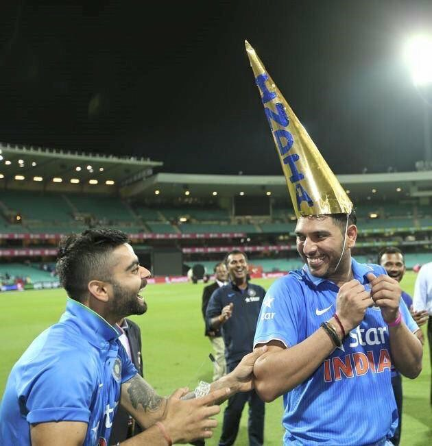 This pic makes my so happy.These 2 boys epitomise brotherhood.On n off d field! @YUVSTRONG12 @imVkohli #welldeserved https://t.co/vqNUx7fyU5