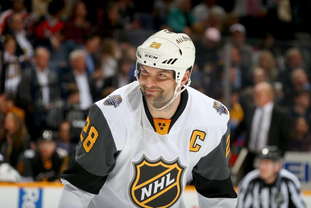 JOHN SCOTT IS THE #NHLAllStar MVP! https://t.co/g0EkguBSOv