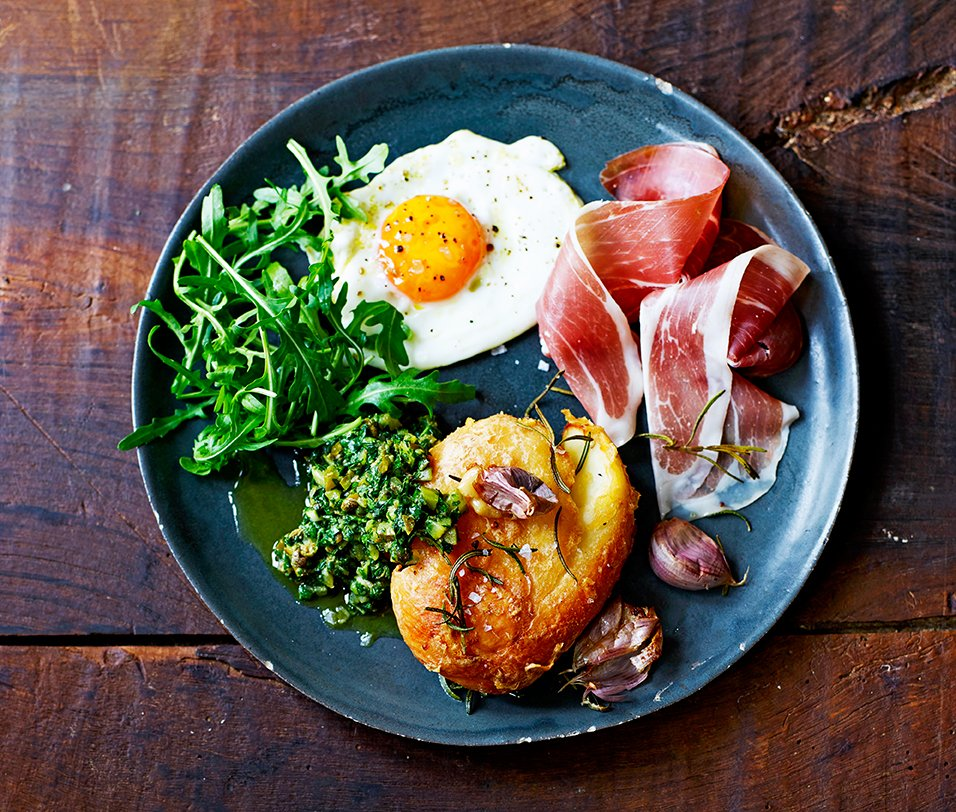 RT @JamieMagazine: @jamieoliver's posh ham, egg & chips from our Feb issue = the ULTIMATE weekend treat https://t.co/3GqOfSSuSZ https://t.c…