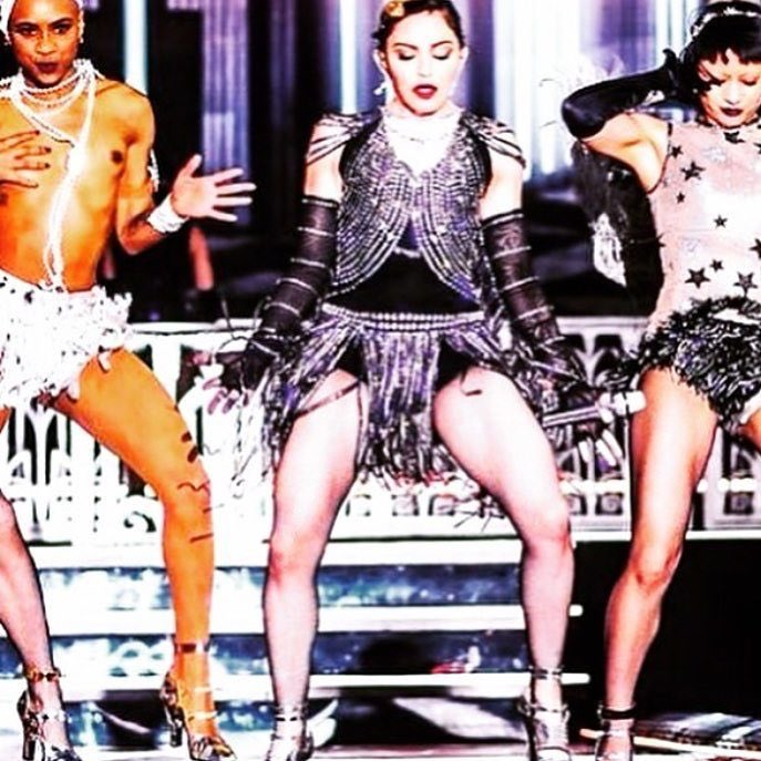 We are coming to get you TAI-PEI!! ❤️#????????????????????????rebelheartfans ❤️ #rebelhearttour https://t.co/5yoz1nBRCy