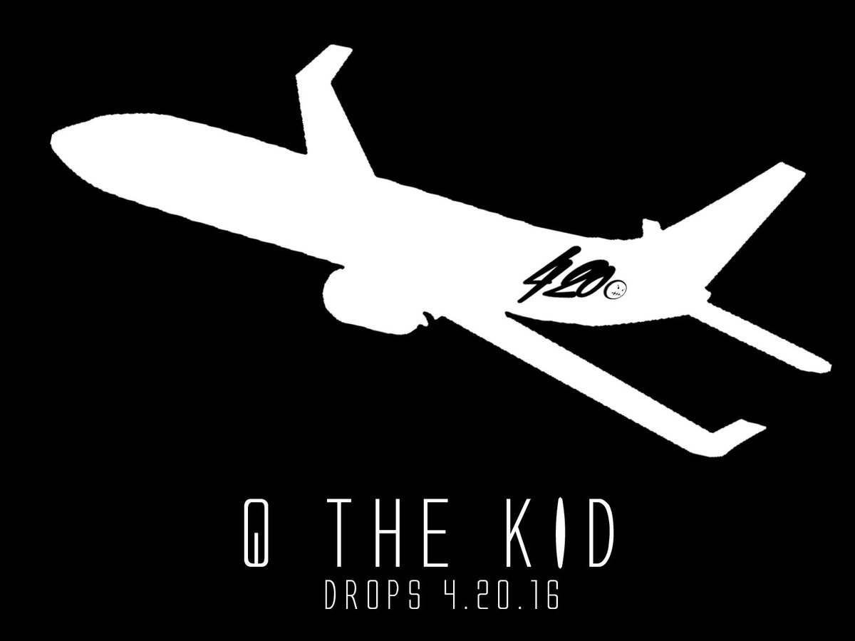I'VE HAD A @kanyewest MOMENT AND DECIDED TO CHANGE THE MIXTAPE TITLE .... FLIGHT420 #FLIGHT420 https://t.co/u9MOvp5GcP
