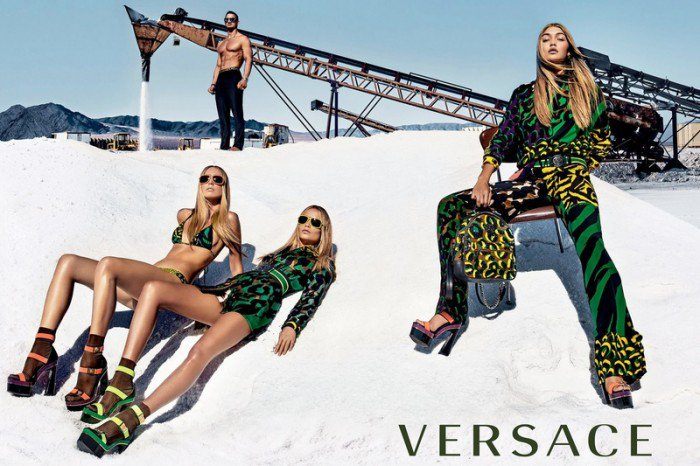 Versace collection Printemps-été 2016 https://t.co/vS1M82tKeB , nos coups de coeur pour 2016 https://t.co/FOxivcRpmE