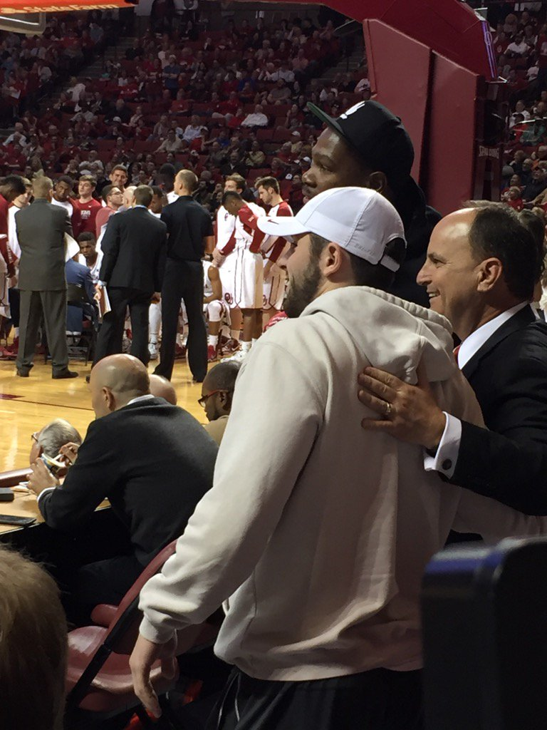 Baker Mayfield and Kevin Durant https://t.co/qS2UXT0U9b