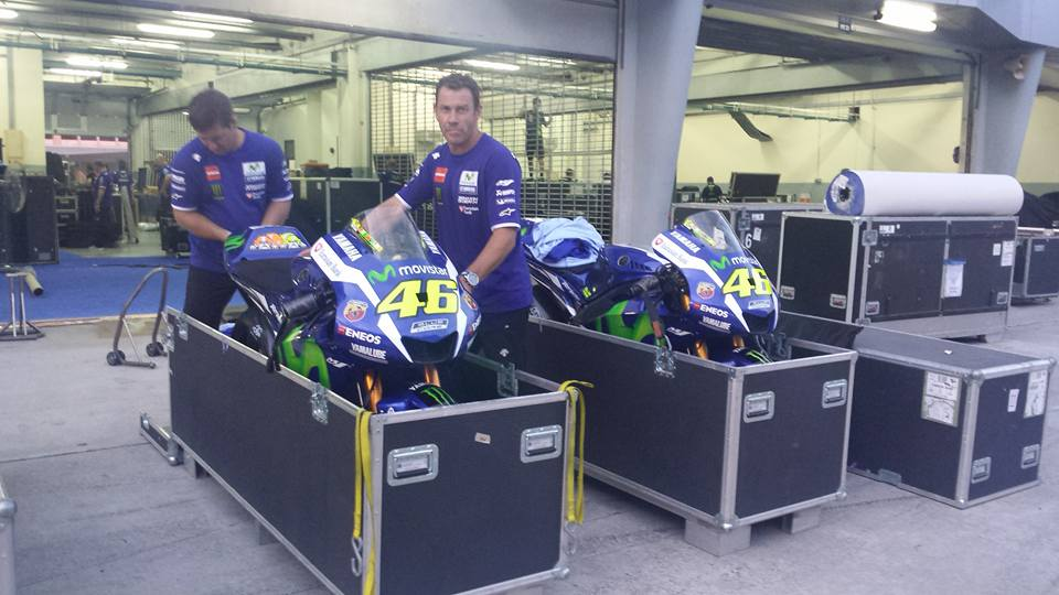 Packing time. You will see the #M1 back in action from Phillip Island in two weeks time! #MovistarYamaha https://t.co/ndqsoCeW3d