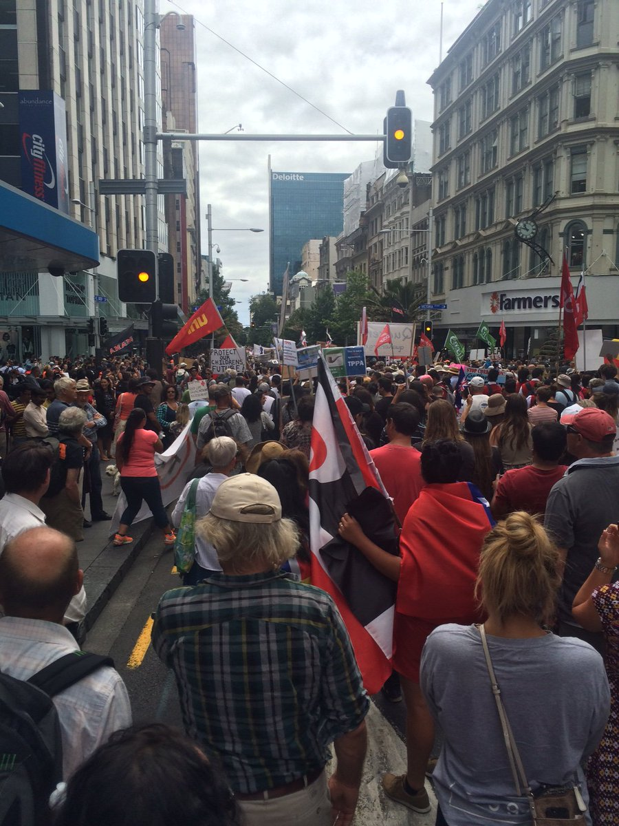 #TPPANoWay protest on Queen St estimated to number 10,000 people https://t.co/WwWl9DNHb6 https://t.co/h12ZJrPVnO