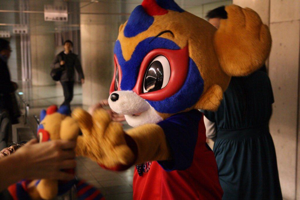 #Jリーグ開幕 を告げるFUJI XEROX SUPER CUP 2016での集合写真センターポジションゲットなるか!? #東京ドロンパJマスコット総選挙 に投票しました!  https://t.co/5w1Vrlx51H https://t.co/elZ27nrBsY