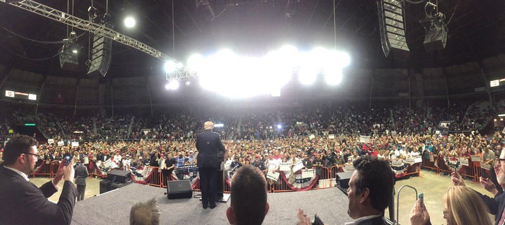 Donald Trump rally - largest crowd Barton Coliseum has seen. #arpx #ARGOP https://t.co/WtClkW95Co