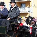 Buongiorno #Trieste! Che ne dite di una gita ad Opicina? Alle 14 cè la sfilata di Carnevale! Ci andate col tram? https://t.co/eAO2dwOiEm