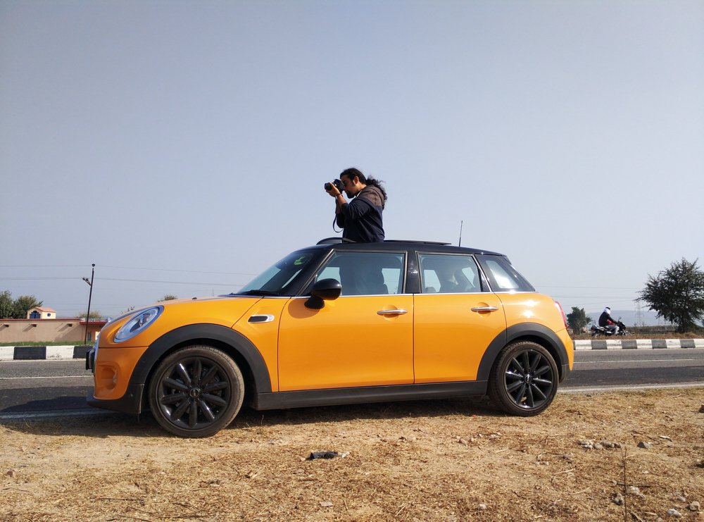 My favorite 'Mini' feature clearly was the sunroof. So much fun to shoot from the car. #MiniUnpark @MINIOfficial_IN https://t.co/bAf6xXN50r