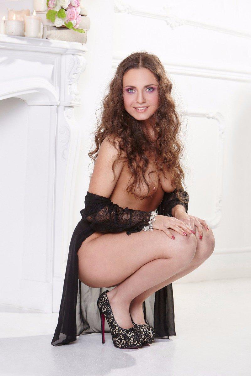 #silviabianco #sexyvegan #veganpornstar #veganchef #veganbeauty #hot #pussy #vegangirl #greeneyes ? #hotgirl