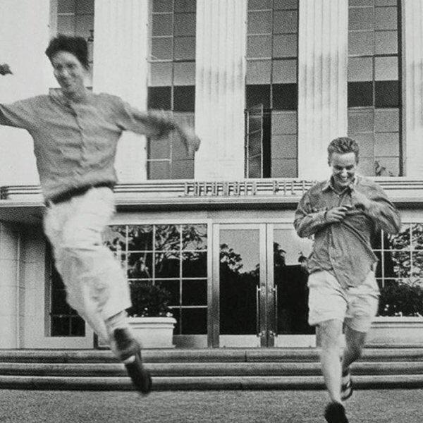 Wes Anderson & Owen Wilson leaving Columbia Pictures after signing deal to make Bottle Rocket, Nov 1994 h/t @reddit https://t.co/EL0AEweW4k
