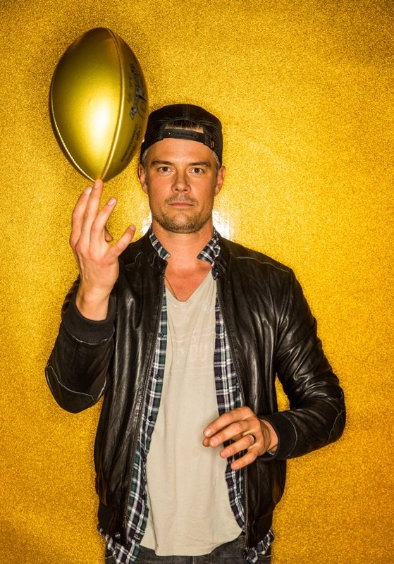 RT @joshduhamel: Who shows up at #SuperBowl50 to promote a baseball movie? Me. Follow @spacemanthefilm & check out MISCONDUCT tmrw! https:/…