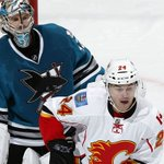 2ND PERIOD: 4-3 #Flames after 40 minutes. #CGYvsSJS https://t.co/f9UUe7ddS7