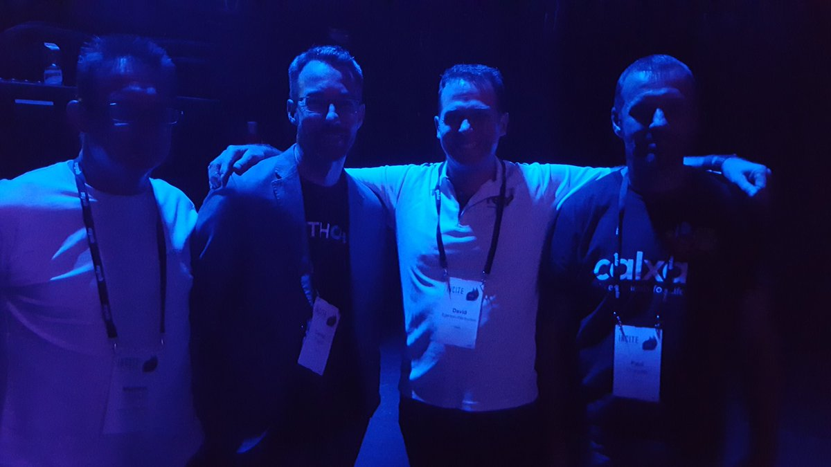 Backstage with advisory panel @CAforecasting @fathomhq @reeponline @PaulCalxa #MYOBINCITE https://t.co/Oh9qDyBzRu