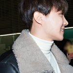 RT ya2ooore: RT BTS_National: [PRESS] 160205 J-HOPE @ Incheon Airport #제이홉 #방탄소년단 BTS_twt https://t.co/kXdodloiHr