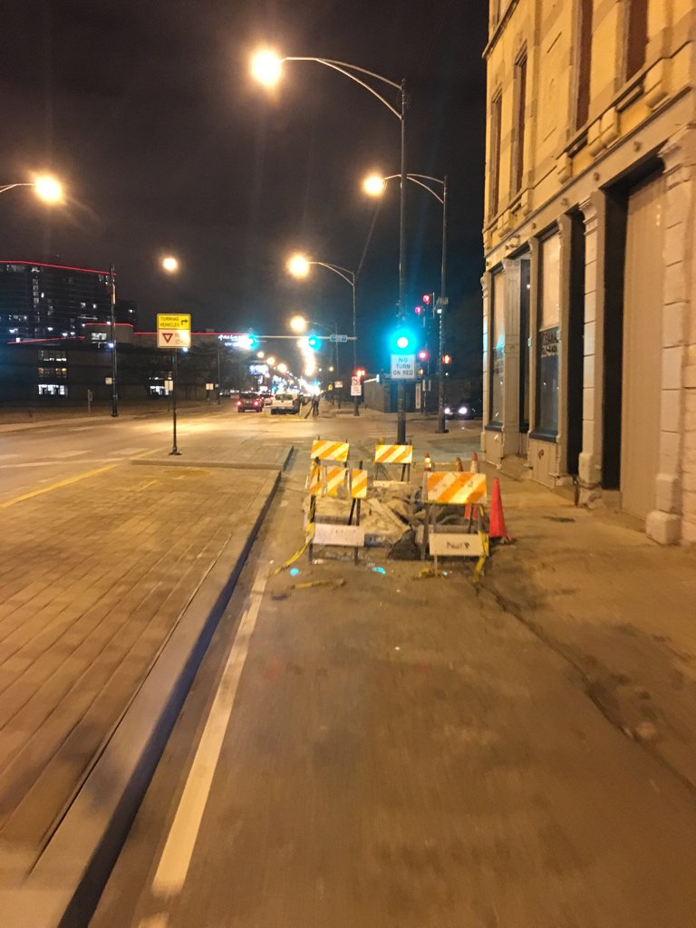 This would not be tolerated if it were a vehicle lane. #bikeCHI @ChicagoDOT https://t.co/PT7FJsyj6l
