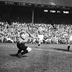 #onthisday in 1936 goalkeeper Jimmy Thorpe passed away aged 22, as a result of injuries from a game v @ChelseaFC https://t.co/DQpVYVf41G