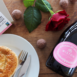 RT for a chance to #win a #ValentinesDay package with treats from our friends at @WistonSparkling & @cocoalocochoc https://t.co/MUZiNxQiwM