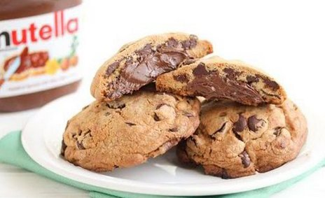 #WorldNutellaDay Celebrate with these DELICIOUS Nutella-stuffed chocolate chip cookies https://t.co/626qN0cOe6 https://t.co/O0U6wkMf2L