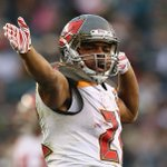 "ICYMI: @TBBuccaneers @DougMartin22 Says Hed ""LOVE"" To Sign With The #Bucs --> https://t.co/WxVSqbDNjO https://t.co/ll9wAR7chF"