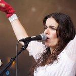 Joyeux anniversaire @yaelnaim ! La chanteuse franco-israélienne fêtes ses 38 ans >> https://t.co/VJV2wQzTfO https://t.co/aRGLN9Lmim