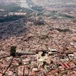 Con 3,94 km2, el casco antiguo de Sevilla es uno de los más grandes de Europa junto a los de Venecia y Génova. https://t.co/Z3hWMRNE0H