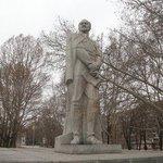 В Запорожье вместо Дзержинского предлагают установить памятник воинам АТО https://t.co/avRYiRSt0m https://t.co/hKJl0BH7s8