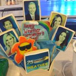 SWEET @WPBF25News weather team lookin good enough 2eat @wpbf_sandra @WPBF_Cris @wpbf_Taylor @wpbf_mike @WPBF_Vanessa https://t.co/MpqXJNAScc