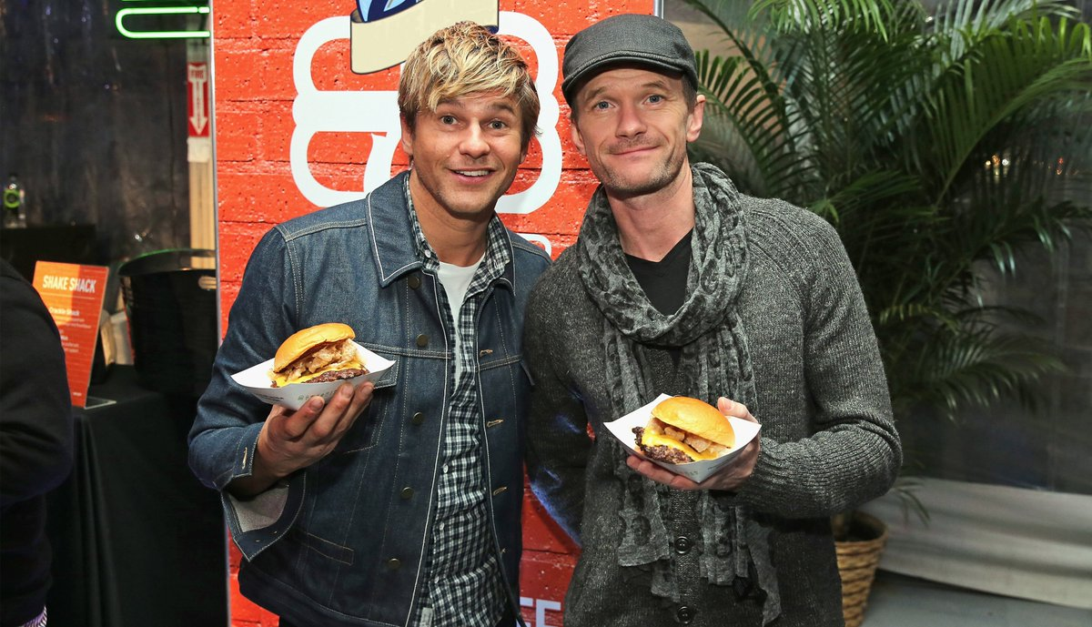 NYC & LA #FridayFives from @ActuallyNPH & husband @Davidburtka. https://t.co/BFUp0ii1th https://t.co/iLU2CKH266