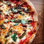 Today's Special in @DTBurlingtonON House tomato sauce. Roasted Poblanos + House made sausage! #TGIF #pizza #BurlON https://t.co/YZMqyzOEPN