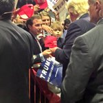 Kids knows who will MAKE AMERICA GREAT AGAIN! Voting4 @realDonaldTrump will ensure a BRIGHT future for our children! https://t.co/XediAyuxKP