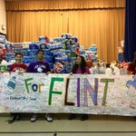 becca_culotta: RT educationweek: A Chicago principal and her school collect bottled water for #Flint. … https://t.co/lUgxD1fvgi
