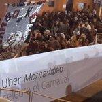 IMM y Policía retiran a la fuerza banderas de #Uber a comparsas en el Desfile de Llamadas https://t.co/puScGtYLdH https://t.co/mR4FQ08zX8