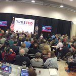 .@tedcruz event in Salem, NH is at capacity. The fire Marshall isnt letting any more voters inside. https://t.co/H4QguY6yk9