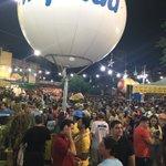 Multidão já concentrada no Largo do Atheneu. Blocos Grandes Carnavais sendo aguardado aqui. https://t.co/1pzuMx1nDV