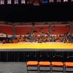 #Bedlam wrestling begins in 30 minutes. Follow @dekotagregory and @LukeAGarza as #okstate goes for the sweep. https://t.co/uwhJS4l5Eg