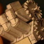 【動画で見れます】紙でつくられた極小「V8エンジン」がすごい。本物同様に動きます https://t.co/BuvjKjiTDe https://t.co/R3PcBMIwm2