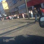 Mega fila en serviestado de calle Ramírez #osorno @paislobo @OsornoNews https://t.co/nErc7GXT37