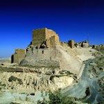 #قلعة_الكرك تبلغ مساحتها25,300 متر مربع وترتفع عن سطح البحر قرابة 1000متر. بُنيت على يد فولك أمير بيت المقدس #الأردن https://t.co/Ksn6fhLCTI