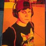 Un cuadro que me regaló ayer una fan. Pintado en lienzo. Toda una artista <3 https://t.co/uAekZLeSOc