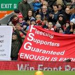#SekilasBolanet pada menit 77 Fans The Reds Walkout meninggalkan stadium karena protes kenaikan harga tiket masuk https://t.co/UxkWBmIkUB