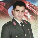 """Sur Şehidi Abdüsselam teğmenin 9kardeşinden biri """"Paralel""""diye Polis Akademisinden atılmış Kardeşi Paralel,o Şehit https://t.co/zDzfMM0RFc"""