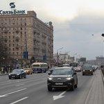 Строительный кран упал на проезжую часть на западе Москвы Строительный кран рухнул на Кутузовском п... https://t.co/KRbbQma2Jl
