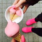 OMG .. PINKES Geburtstags-Eis 🙅🏼💗 https://t.co/cj0f07MtR0