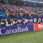 . @Torres regaló la camiseta de su gol 100 a Manuel Briñas, responsable de la cantera cuando el 9 llegó al club. https://t.co/Ul1U2bMHVJ