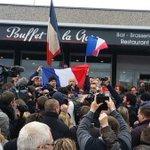 Во Франции арестован генерал и ещё 20 человек, тк они вышли на митинг против мигрантов!! О хо хо, демокртичненько https://t.co/UzSO016Jek