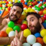 Tenemos la foto más buscada: @DANIROVIRA y @mario_casas_ ¡En bolas! #Goya2016 🙈 https://t.co/dscSArQBHs