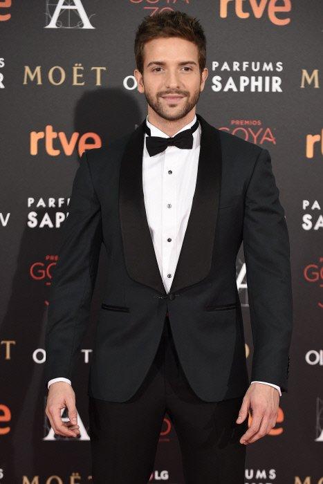 Primer Goya, primera estrella. Enhorabuena Pablo Alborán https://t.co/cEH4J1OYgh